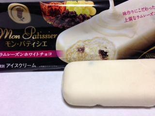 モンパティシエ ラムレーズンホワイトチョコカロリー アイスクリーム