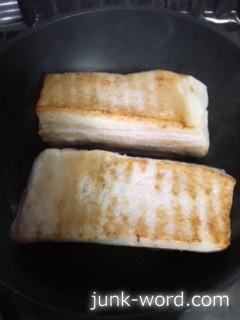 チャーシュー 作り方 豚バラブロックに焼き色をつける