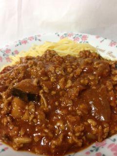 トマトチキンカレーのミートソーススパゲティの完成です