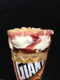 ジャイアントコーン 苺のチーズケーキ