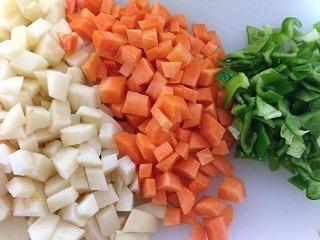 豆 スープ レシピ5 野菜をカット